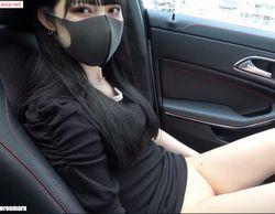 車内でカメラ目線なスジまん